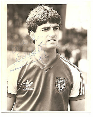 Kevin Ratcliffe Wales signed B/W football original press photo 10 x 8 inches.
