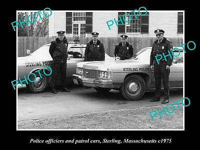 OLD LARGE HISTORIC PHOTO OF STERLING MASSACHUSETTS POLICE CAR & OFFICERS c1975