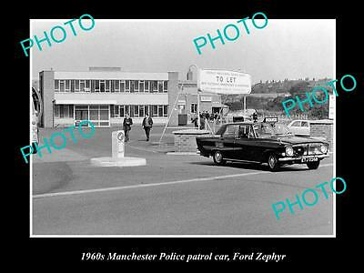 OLD LARGE HISTORIC PHOTO OF MANCHESTER POLICE PATROL CAR, FORD ZEPHYR c1960s UK