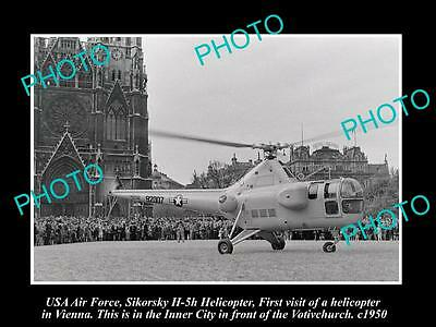 OLD LARGE HISTORIC PHOTO OF US AIR FORCE SIKORSKY H-5H HELICOPTER c1950 VIENNA