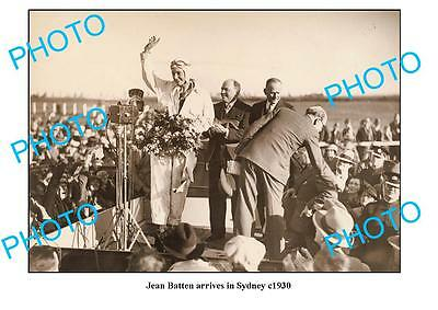OLD LARGE PHOTO, AVIATION PINONEER JEAN BATTEN ARRIVING IN SYDNEY NSW c1930