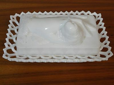 Vintage Westmoreland Covered Chick In Hand Upon Lacy Dish