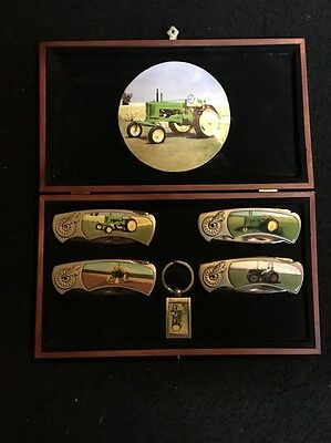 "John Deere Tractor 3"" Blade Folding Pocket Knife Set Keychain And Display 225"