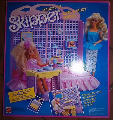Barbie - Skipper Sleep'n Study - Over 40 Play Pieces - Mattel - 1988