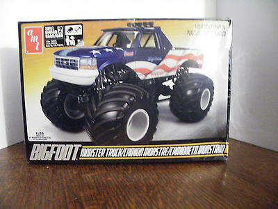 New Amt Bigfoot Monster Truck 1:25 Model Kit amt 668L