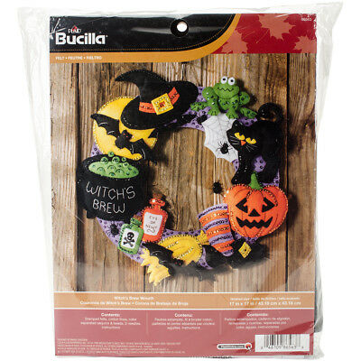 "Witch's Brew Wreath Felt Applique Kit-17"" Round"