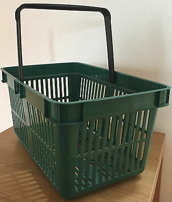 25 Top Quality Plastic Shopping Basket, Large 26L Capacity. GREEN