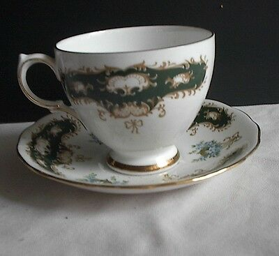 Queen Anne Fine Bone China England Ridgway Potteries LTD Cup & Saucer Gold Rims