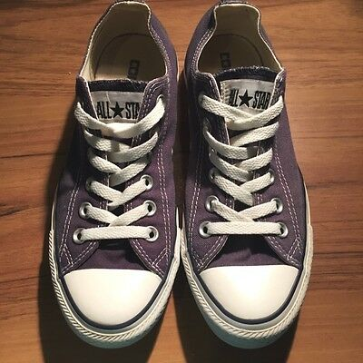 Converse All Stars Chuck Taylor Low Top Men Size 5 / Ladies 7