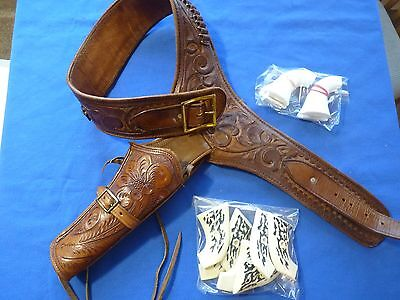 Vintage. LEATHER WESTERN GUN BELT & HOLSTER MEXICO HAND TOOLED Size 34 Revolver