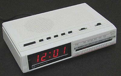 vintage CANDLE JCR 4501 Alarm Clock / AM, FM  Radio Perfect and n.MINT WHITE