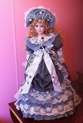 Victoriana Porcelain doll Collectable (NEW IN BOX)