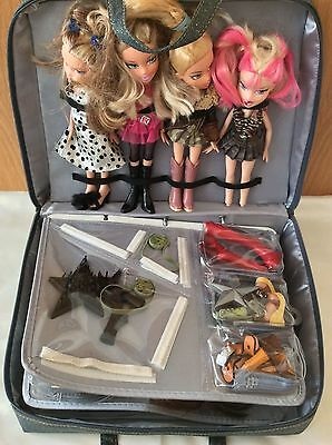 ✨✨✨✨✨BRATZ BABY DOLLS with ACCESSORIZE  and CARRY BAG in VGC✨✨✨✨✨