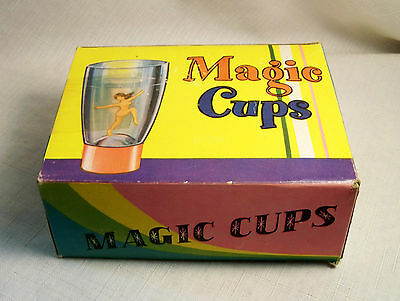 VINTAGE RISQUE NOVELTY PIN-UP PINUP NUDIE GIRLS MAGIC CUPS BOXED MAN CAVE 1960s