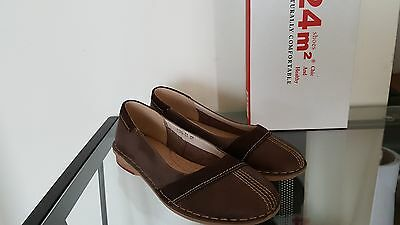 New women's brown chocolate color leather shoes flats size 6.5-7
