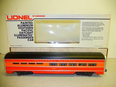 New Lionel 7204 Southern Pacific Aluminum Dining Car- New- S1