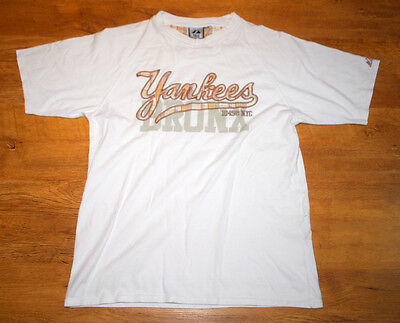 Majestic New York Yankees T shirt (Size M)