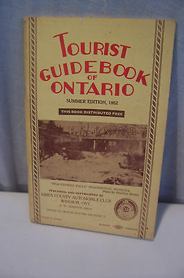 1952 TOURIST  GUIDEBOOK  OF  ONTARIO  CANADA  Booklet 132 Pages  FREE  SHIPPING