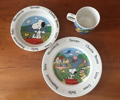 Charlie Brown Childrens Dish Set Porcelein Snoopy Johnson Brothers