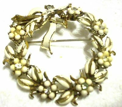 """Vintage 2"""" Signed CORO White Bead Flowers & White Enameled Wreath Brooch Scarf P"""