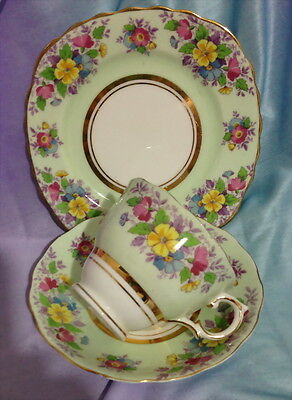 ♡ COLCLOUGH LIME GREEN TRIO TEA CUP SAUCER SIDE PLATE more instore
