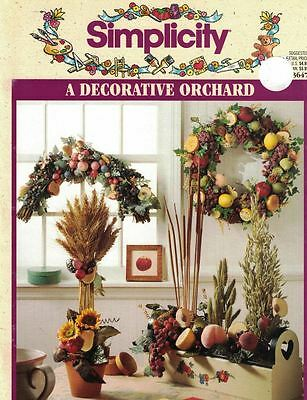 Simplicity A Decorative Orchard #3647 Wreaths Swags Baskets Candle Rings w Fruit