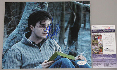 HARRY POTTER DANIEL RADCLIFFE  Hand Signed 8'x10' Photo + JSA COA *BUY Genuine*