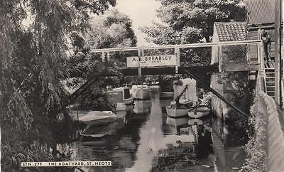 Vintage Frith B+W Photo Postcard - The Boatyard, St Neots (Cambs)