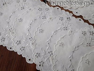 Set of 17 Antique Brodeire Anglaise Embroidered Eyelet Linen Doilies  (ng)