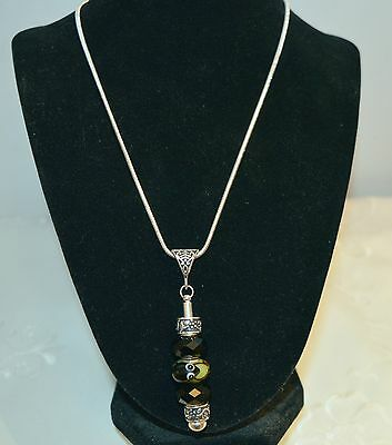 Silver 925 Chain With Celtic Look Bail Pendant Lampwork Frog & 2 Black Crystals