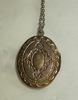 """Vintage Victorian Style LOCKET Necklace Silver Tone Rolo Chain 18"""""""