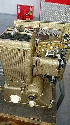 "Specto ""500"" cine Projector with original instructions with case"