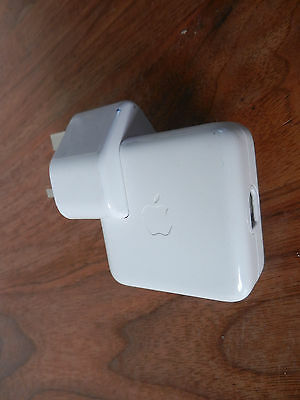 Apple iPod Power Adapter A1003 With 3-Pin Plug