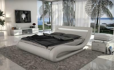 Modrest Corsica - Contemporary White Leatherette E King Bed w Headboard lights