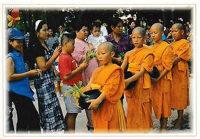 postcard post card THAILAND Giving alms to monks #58