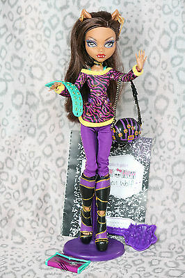 School`s Out Clawdeen Wolf Monster High Puppe Doll