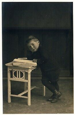 BOY w ART NOUVEAU TABLE / JUNGE m JUGENDSTIL TISCH * Vintage 20s DESIGN Photo PC
