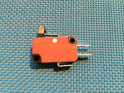 Omron Micro Safety Limit Switch No / Nc Ac / Dc V-155-1C25 Roller Snap Action