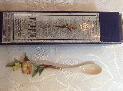Franz Porcelain Beautiful Fluttering B Spoon Original Box Lovely Condition Unuse