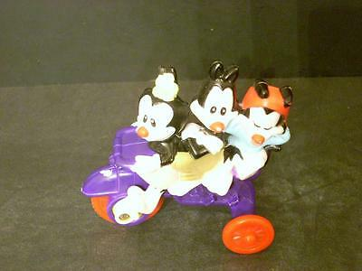 1993 Warner Brothers Animaniacs Dot, Wakko, Yakko On Tricycle(H9)