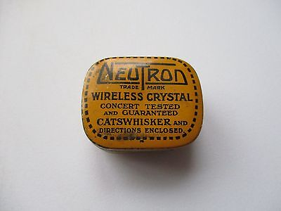 Vintage Neutron wireless crystal tin with 5 crystals and tweezers