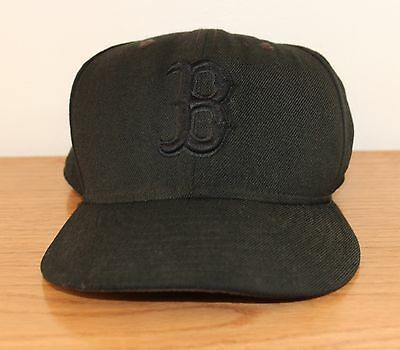new product 9be0e 7a2cc Boston Red Sox Black MLB Baseball Cap 59FIFTY New Era Fitted Hat 7 5 8