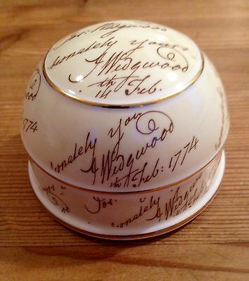 Wedgwood Bicentenary Collection  Paperweight
