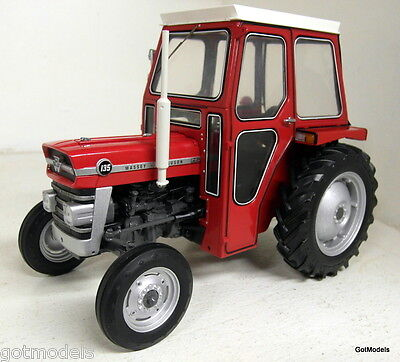 UH 1/16 Scale 2697 Massey Ferguson 135 with Cabin red diecast model Farm Tractor