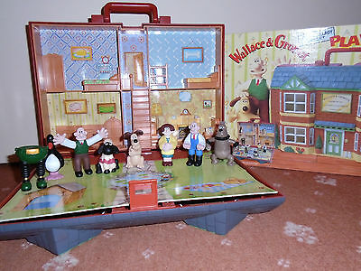 VIVID Imaginations Wallace & Gromit West Wallaby Street Playhouse + All 6 Figs