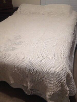 Beautiful Vintage Hand Crochet Bed Spread Cover, Full