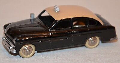 DINKY TOYS FRANCE - Ford Vedette Taxi 24X
