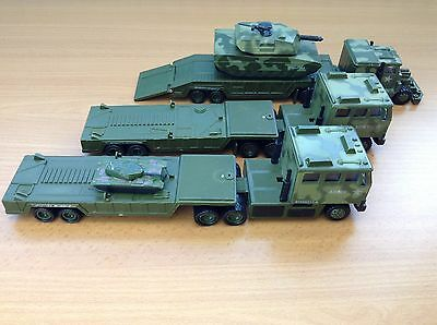 Collection Of Soma - Army Military 3 x Lorries and 2 x Tanks - Toys Cars