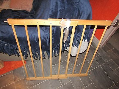 Extending wooden Adjustable Safety Baby Pet Child Dog Stair gate