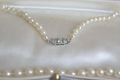 Fine Vintage Art Deco Single Row  Cultured Pearl Necklace & 0.40Ct Diamond Clasp